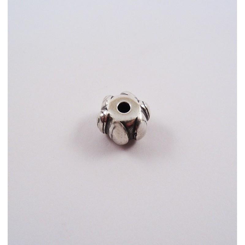 Adorno para cordón 76043-03 pase 3 mm.