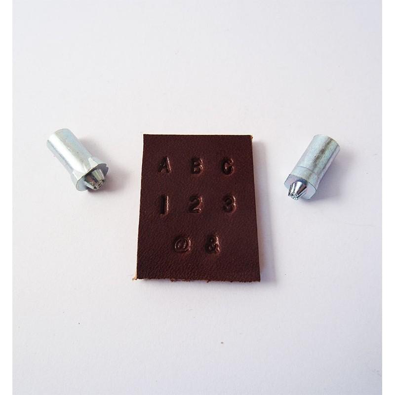 Alfabeto de ⅛ con números y símbolos 8137