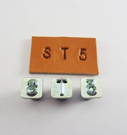Alfabeto de ¼ con números 8137